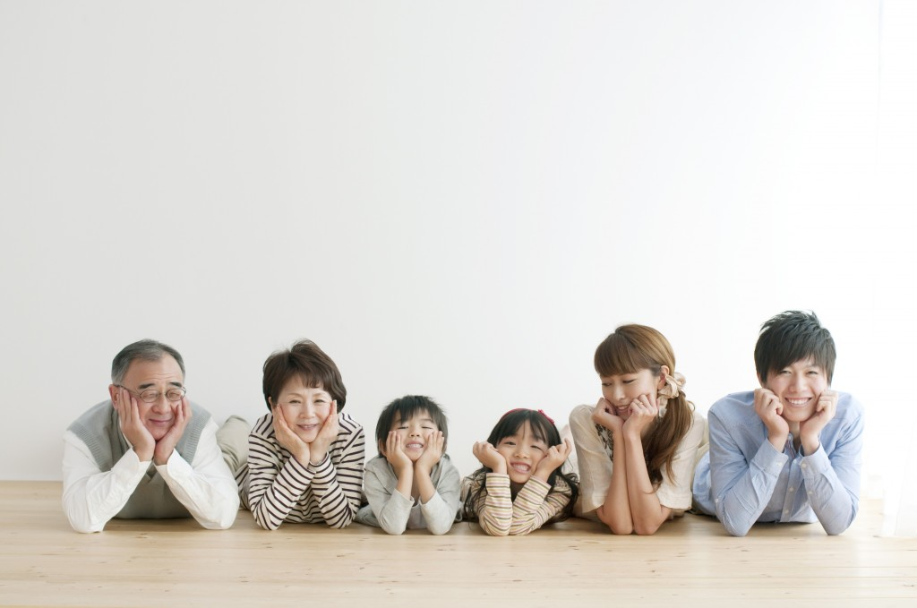 親子三代6人画像
